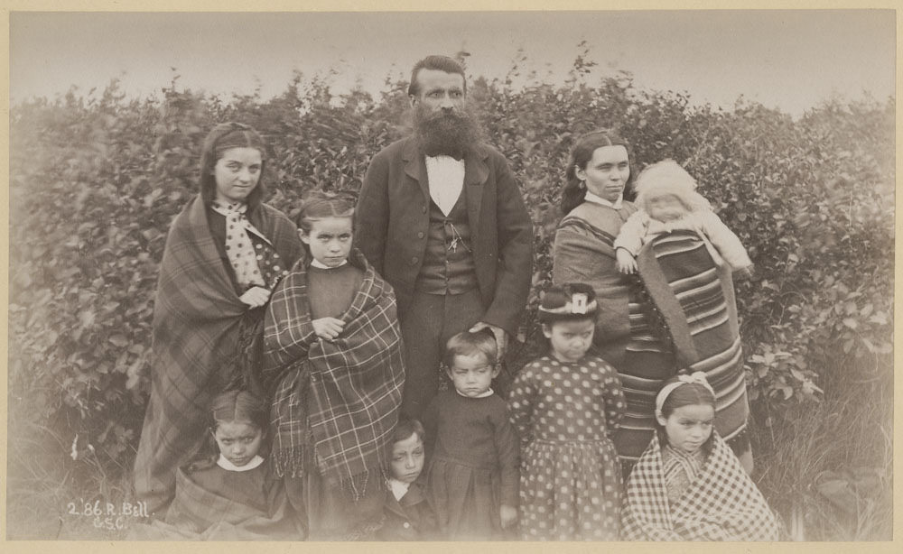 Métis Family at Osnaburg House, Ontario. Photo by: Robert Bell. Credits to: Library and Archives Canada