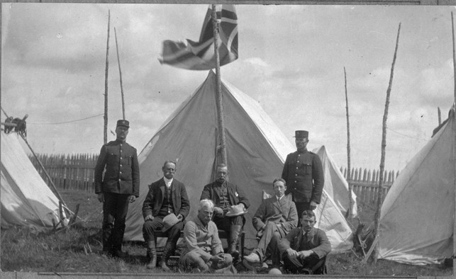 Indian Treaty No. 9 Commission, 1905. 1st row: Rae and Miendl. 2nd row: Stewart, MacMartin and Scott 3rd row: Dominion Police Constables Vanasse and Parkinson. Credits to: Library and Archives Canada MIKAN #: 3367550