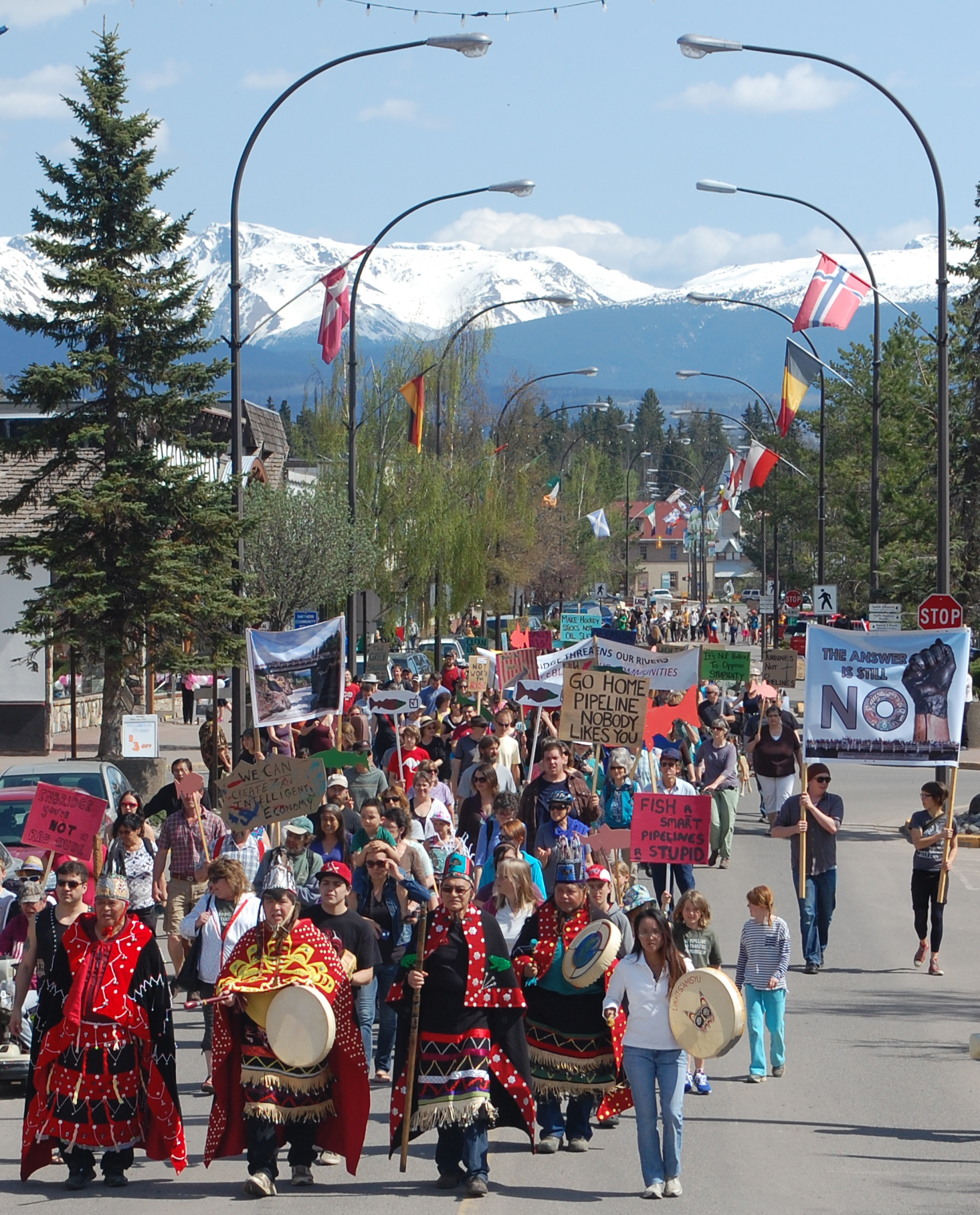 Leadnow Canada, Wet'suwet'en hereditary chiefs (bottom left corner) lead protest in Smithers, BC, 2014. Photo Credits to: Office of the Wet'suwet'en/Francois Depey