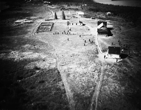 Air view of Indian Reserve, Split Lake, Manitoba. c 1925 Credits to: Dept. of Interior. Library and Archives Canada, PA-041572