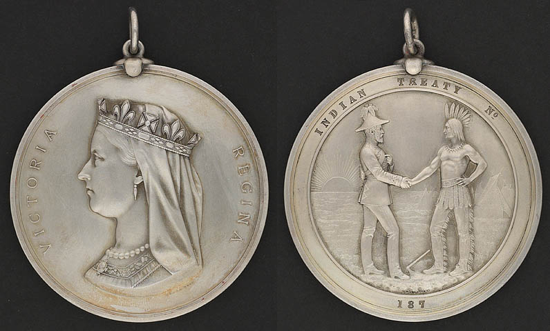 Treaty Medals. Both sides of a commemorative coin, Chief's Medal, presented to commemorate Treaty Numbers 3, 4, 5, 6 and 7, 1986. Credits to: Library and Archives Canada 1986-79-1638