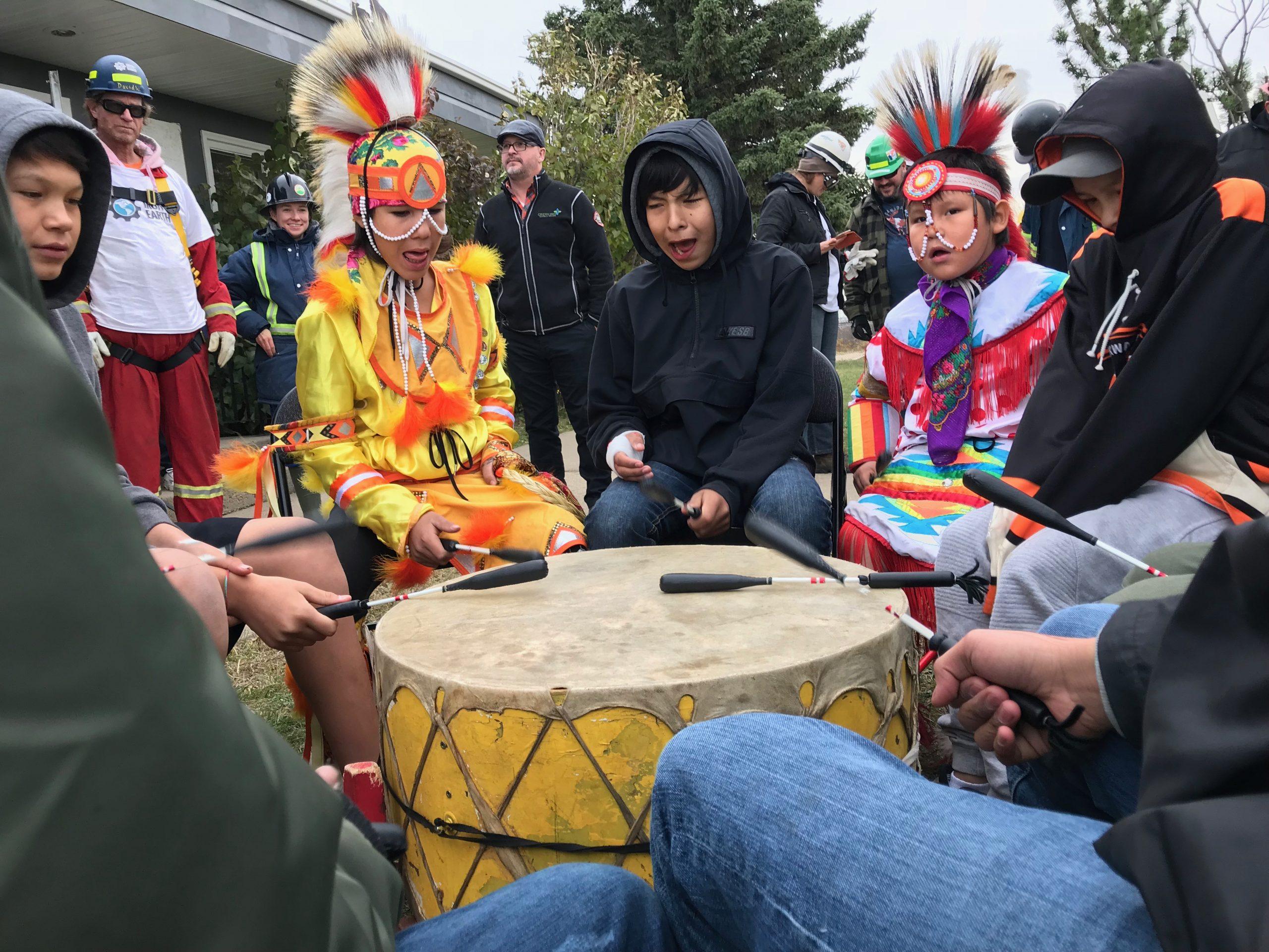 Youth Cultural Integration, Louis Bull IR, Alberta. Credits to: Green Energy Futures (CC BY-NC-SA 2.0) [183]