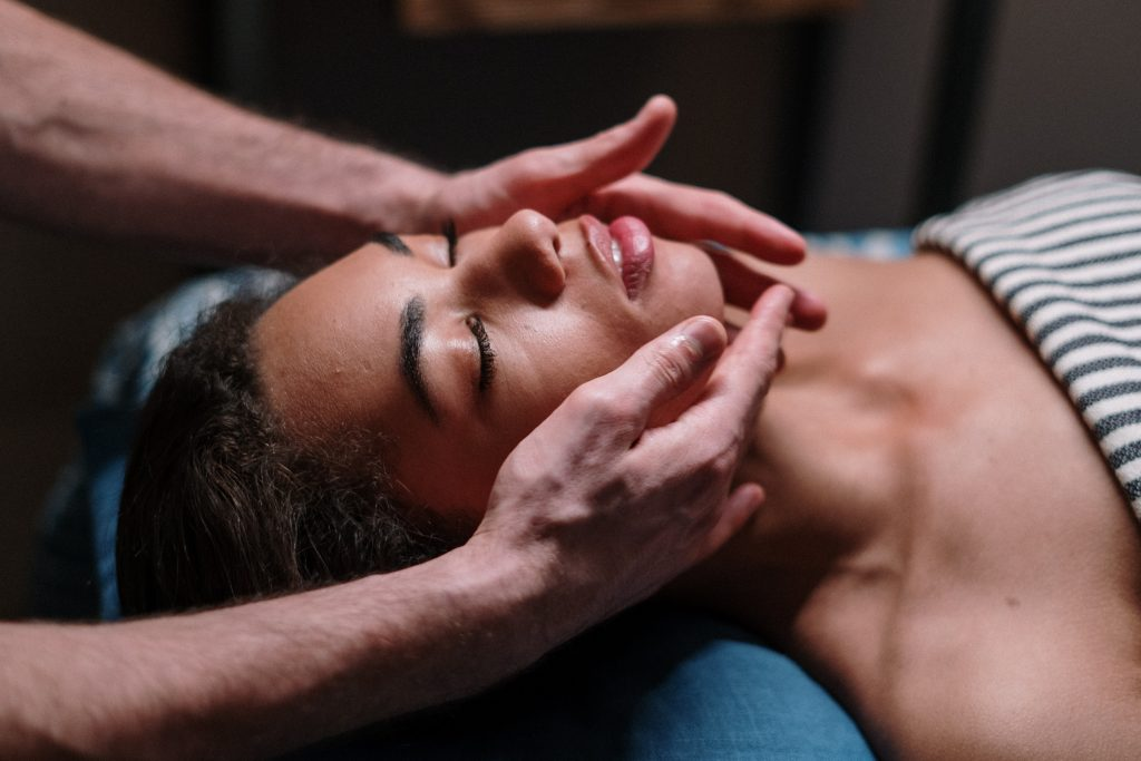 Massage for jaw pain